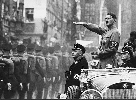 Adolf Hitler : Sudut Kisah Yang Disembunyikan.