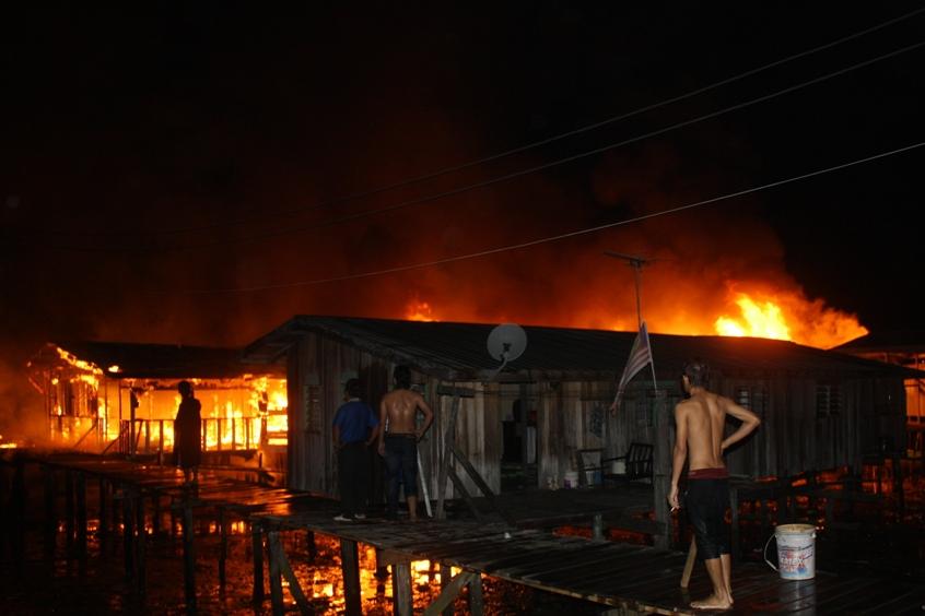 Kampung Gentisan 2, Lima Buah Rumah Hangus Dijilat Api
